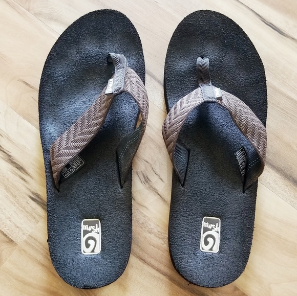3fa313589811 Teva Shoes - Teva Women s Mush II Flip Flops